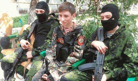 Из-за нехватки добровольцев, в ДНР начали набирать 15-летних ВИДЕО