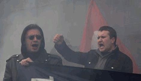 Россияне забросали дымовыми шашками Генконсульство Украины в Санкт-Петербурге