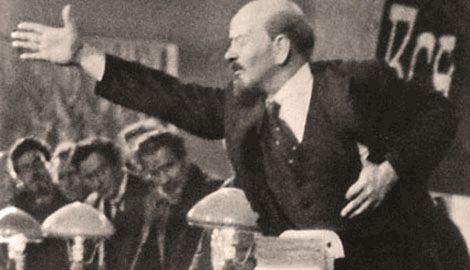 Первый памятник Ленину без головы появился в Харькове ФОТО