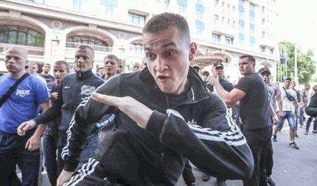 Янукович поделился своим опытом с Путиным, так в подмосковье титушки напали на активистов (ВИДЕО)