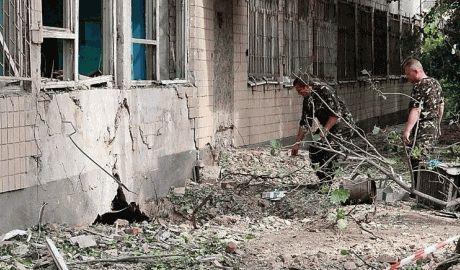 В Харькове теракт, взорвали областной военкомат
