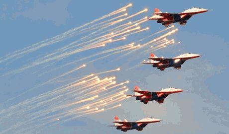 Россия продолжает запугивать Украину, демонстрируя свою военную мощь