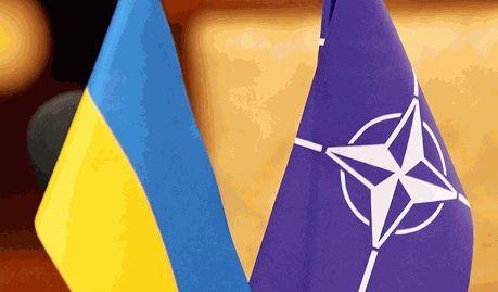 О вступлении в НАТО думать пока рано — Порошенко