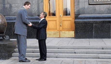На Житомирщене скончался самый высокий человек в мире