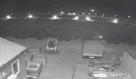 Россия по ночам через керченскую переправу свозит в Крым военную технику ФОТО