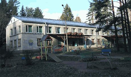В Алчевском противотуберкулезном санатории боевики удерживают в заложниках 22 ребенка