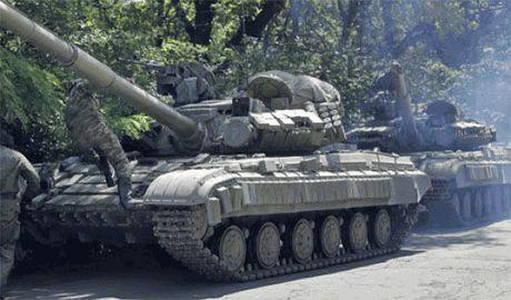 В Углегорске идет ожесточенный танковый бой, – очевидец