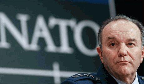 НАТО готовится втречать «зеленых человечков» но пока не хочет военного вмешательства в конфликт на Донбассе