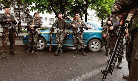 В Алчевске боевики грабят, пьянствуют и собираются переходить в контрнаступление