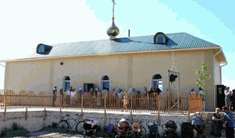 «Православные» террористы обстреляли храм, в котором прятались мирные жители