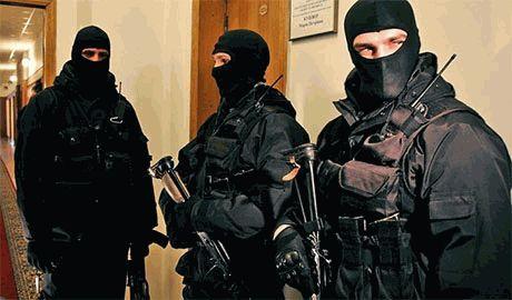 На краматорских предприятиях сына Пшонки спецназовцы МВД нашли целый арсенал оружия, – Шкиряк