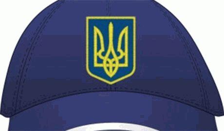 Полиция Петербурга задержала поэта Александра Ильина за кепку с символикой Украины