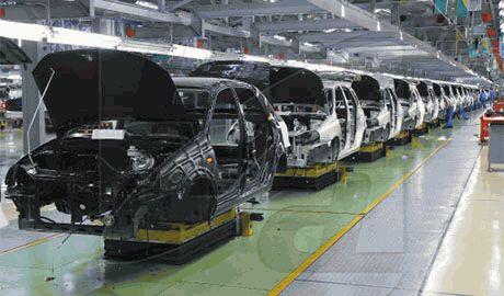 Из-за кризиса АвтоВАЗ на 25 тыс. сократит выпуск автомобилей