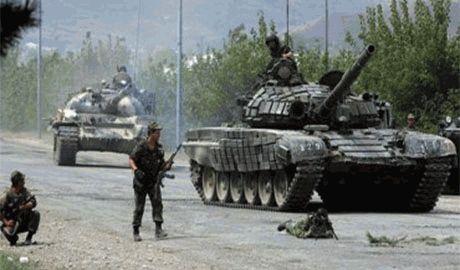 """Четыре танка сепаратистов прорвали блокпост и едут в Мариуполь, – боец """"Шахтерска"""""""
