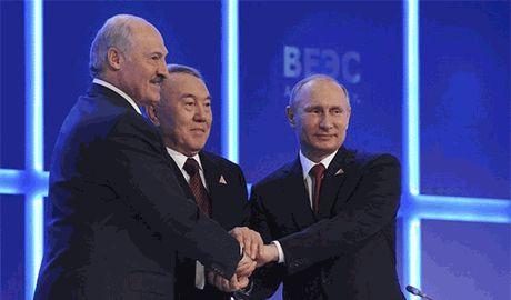 В отличие от Путина, Лукашенко хочет торговать, а не воевать с Украиной…