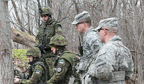 Боевикам ДНР уже повсюду мерещатся «американские инструкторы»