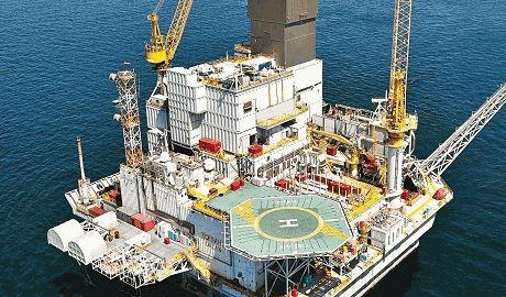 В России остановилась крупнейшая нефтяная платформа, починить невозможно из-за санкций