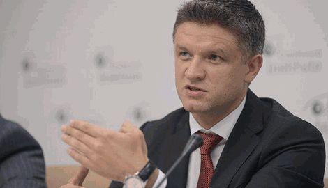 Именно заместитель главы Администрации Президента Дмитрий Шимкив, станет движущей силой , которая начнет ломать старую систему, реформируя страну, – Порошенко