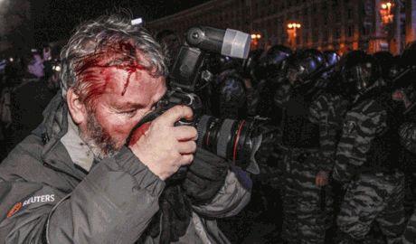 В Кремле еще раз подтвердили, что журналистов и людей, которые выступают против политики власти можно избивать, — Арсений Веснин