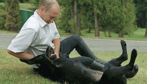 Владимир Путин любит принимать ванну вместе со своей собакой, – Людмила Путин