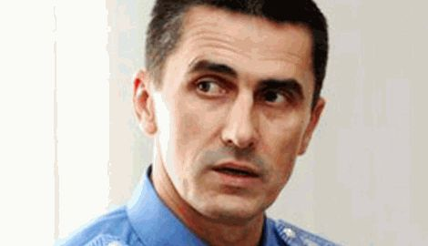 """Под Радой Ярему встретили выкриками """"Ганьба"""" и требовали отставки ВИДЕО"""