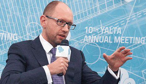 Яценюку время уходить в отставку, для сохранения лица и рейтинга, — блогер