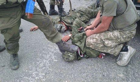 Азов прикончил 20 и взял в плен 11 кацапских утырка. Все граждане РФ. У Азова без потерь – Блогер ФОТО
