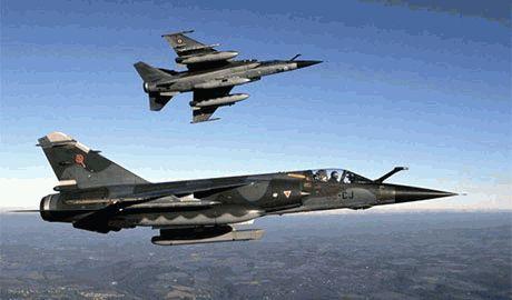 Киев просит поддержки у США и НАТО: направить на Донбасс военную авиацию