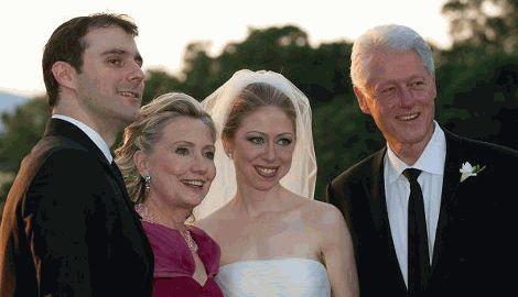 Экс-президент США Билл Клинтон стал дедушкой