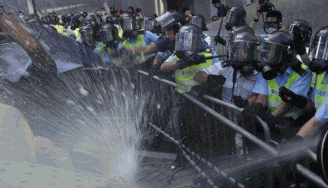 В связи с акциями протеста в Гонконге, китайские власти начали блокировать социальные сети