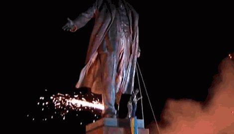 Харьков празднует снос памятника Ленину и передает эстафету Запорожью