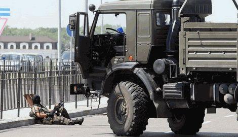 Тымчук: террористы провели ротацию и накапливают силы возле Донецкого аэропорта