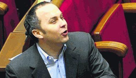 Мандат народного депутата не спас, Нестора Шуфрича жестко избили