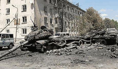 Защитники Мариуполя дали отпор агрессорам. При попытке штурма города силы АТО уничтожили танковую роту Нижегородской мотбрегады