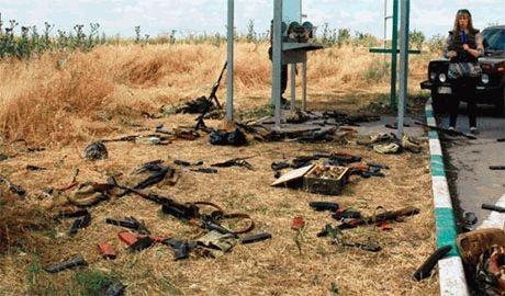 """""""Погибли за путинскую ложь"""" – так написали на братской могиле 5 российских военных их сослуживцы"""