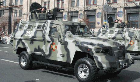 Парад военной техники по случаю дня города, пройдет в Мариуполе