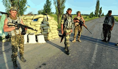 Батальон «Айдар» отлавливает дезертировавших милиционеров и силой возвращает их на брошенные позиции в зону АТО
