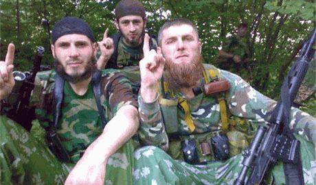 Кадыровцы активно обживаются в Луганске заставляя украинских военнопленных на «них» работать