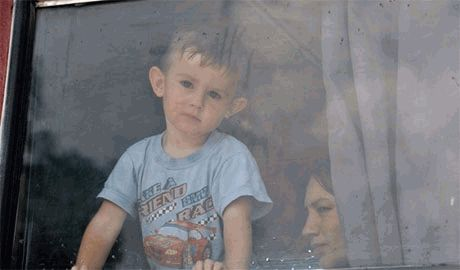 Украинские силовики проводят разминирование освобожденных территорий и обеспечивают детдома в зоне проведения АТО одеждой и питанием