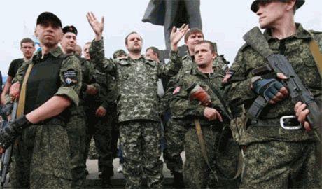 """В Донецке боевики """"Оплота"""" устроили вооруженную """"разборку"""" с бандитами из """"Кальмиуса"""". Есть убитые"""