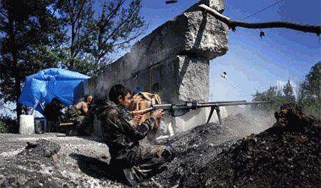 Со стороны Новоазовска, боевиками уничтожен весь укрепрайон батальона «Азов»  вместе с техникой. Есть двухсотые…