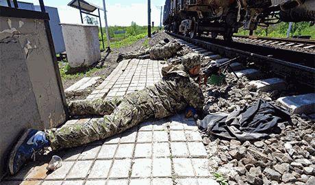 Террористы уверяют, что несколько их БТР и БМД вошли в Мариуполь. Прорываются в район пивзавода…