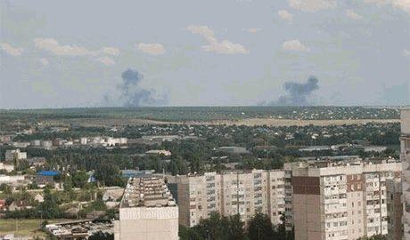 Луганске чиновники открыто призывают луганчан поддержать террористов ЛНР. Несогласных пугают контрразведкой боевиков