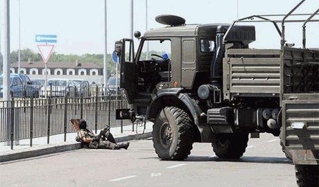 Террористы возобновили штурм донецкого аэропорта. Украинские силовики пока не отвечают на обстрелы боевиков