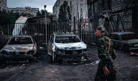 Несмотря на перемирие боевики ведут огонь по позициям сил АТО возле донецкого аэропорта из тяжелых орудий