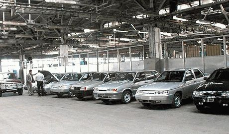 Российское производство автомобилей рухнуло на 42%