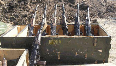 В Славянске во время обыска в помещении, принадлежащем экс-регионалу обнаружен арсенал оружия