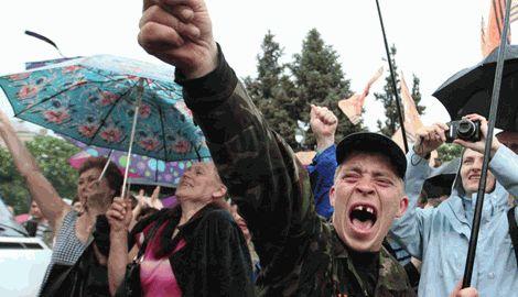 На Донбассе назревает социальный взрыв в результате чего террористы получат свой «Майдан»