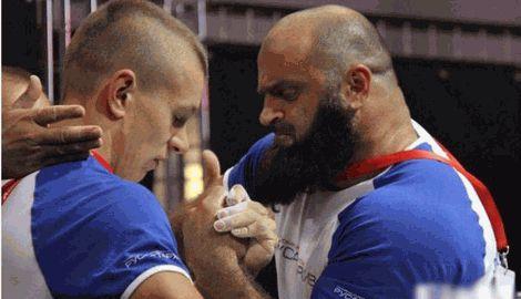 Армрестлер из Украины при весе в 70 килограмм победил дагестанца, что на 40 килограмм был тяжелее его