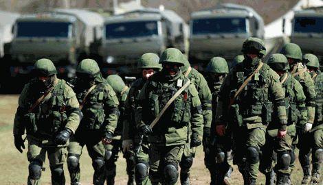 Военнослужащие РФ целый день тренируют боевиков, а вечером идут в бар, — Financial Times